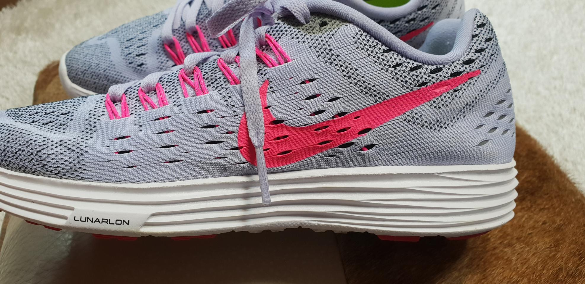 b1bb17a34c9 ♥나이키(정품)240mm(여성)신발♥ | 헬로마켓 - 100% 안전한 중고거래 장터